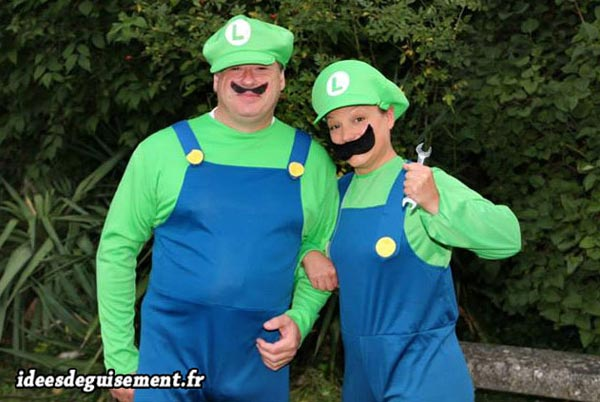 Fancy dress of Luigi - Letter L