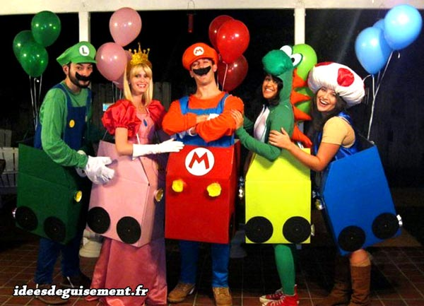 Fancy dress costume of the group Mario Kart balloons