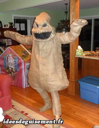 Costume of Oogie Boogie - Letter O