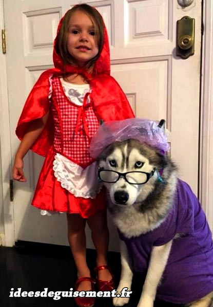 Costume of Red Riding Hood - Letter R
