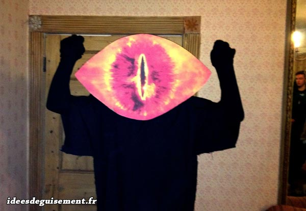Costume of Eye of Sauron - Letter E