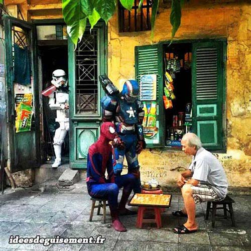Fancy dress of Spiderman & Stormtrooper - Letter S
