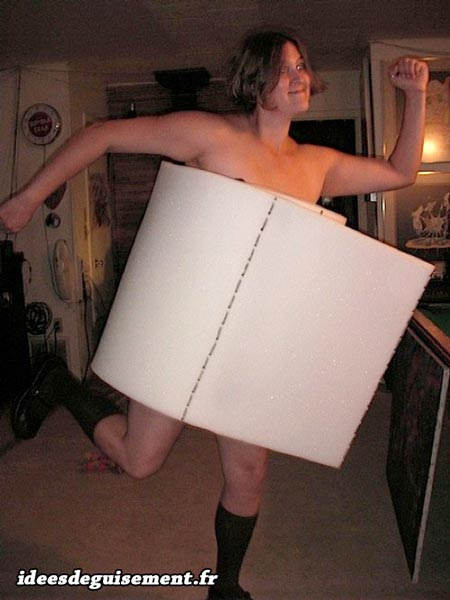 Low cost costume of toilet roll
