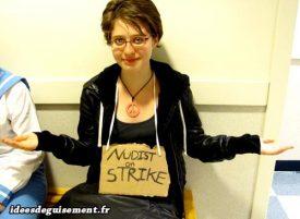 Costume of Nudist on Strike